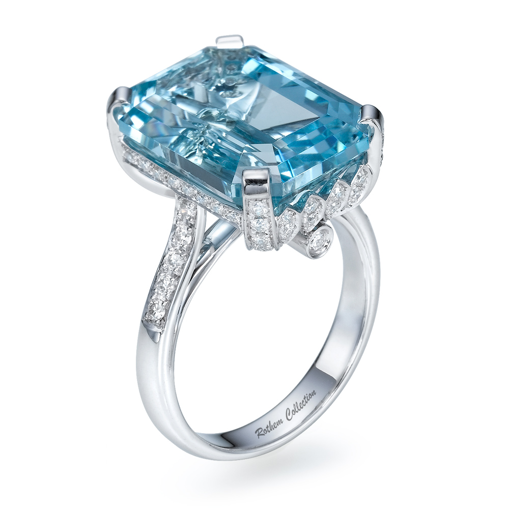 big 8 carat emerald cut aqua aquamarine gemstone